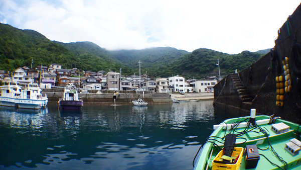 我が家の前、港の風景