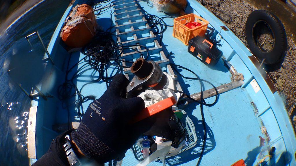 単管パイプを工事する予定なので、ラチェットレンチが必須工具。水中へ持ち込みます。