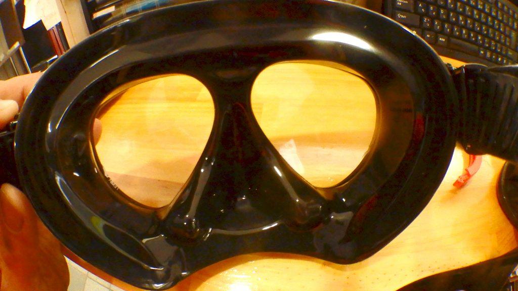 新しいマスクを比べてみると差は歴然ですね。